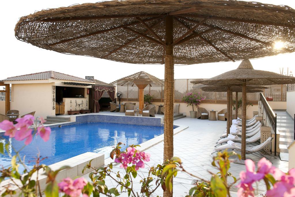 فندق بارسيلو الاهرامات الثلاثة 4 نجوم القاهرة