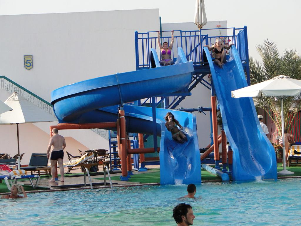 فندق شرم هوليداى ريزورت شرم الشيخ 4 نجوم