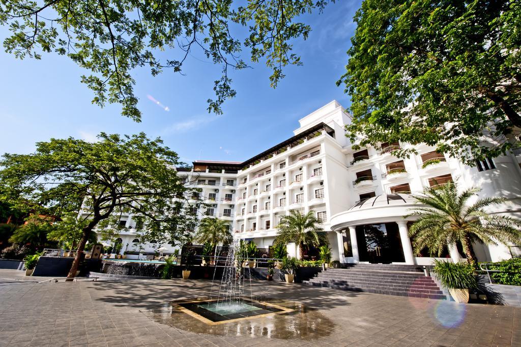 رحلات ماليزيا فندق فالامينجو كوالالمبور وفندق فالامينجو بينانج